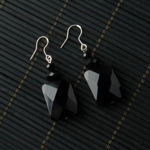 TBP onyx square earring1