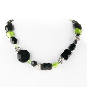 TBP onyx n grn lwg short necklace