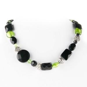 TBP onyx n grn lwg short necklace