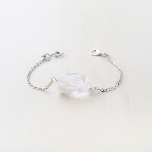 tbp-clear-glass-bead-on-silver-toned-bracelet