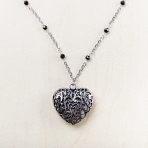 tbp-heart-w-blk-bead-necklace