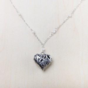 tbp-heart-w-wht-bead-necklace